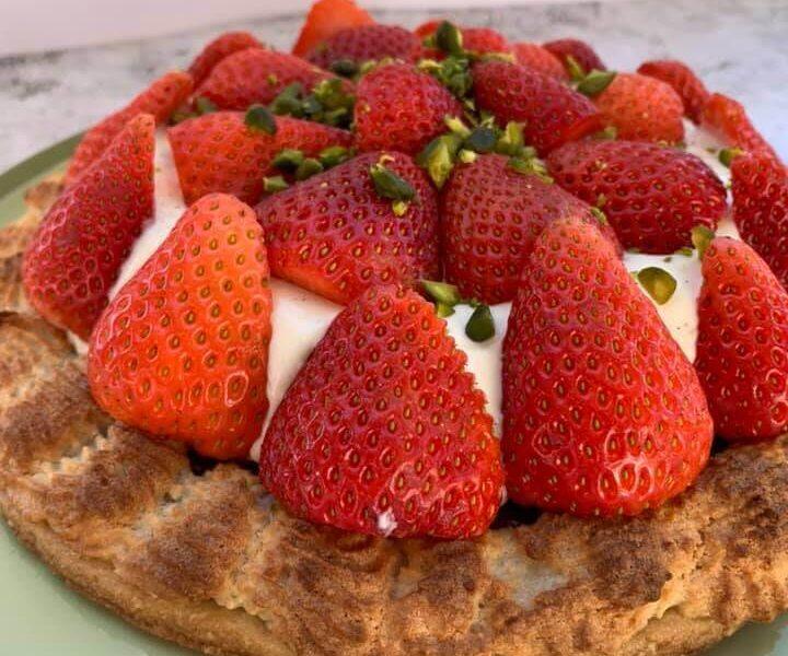 Jordbærtærte med kransekage og remonce