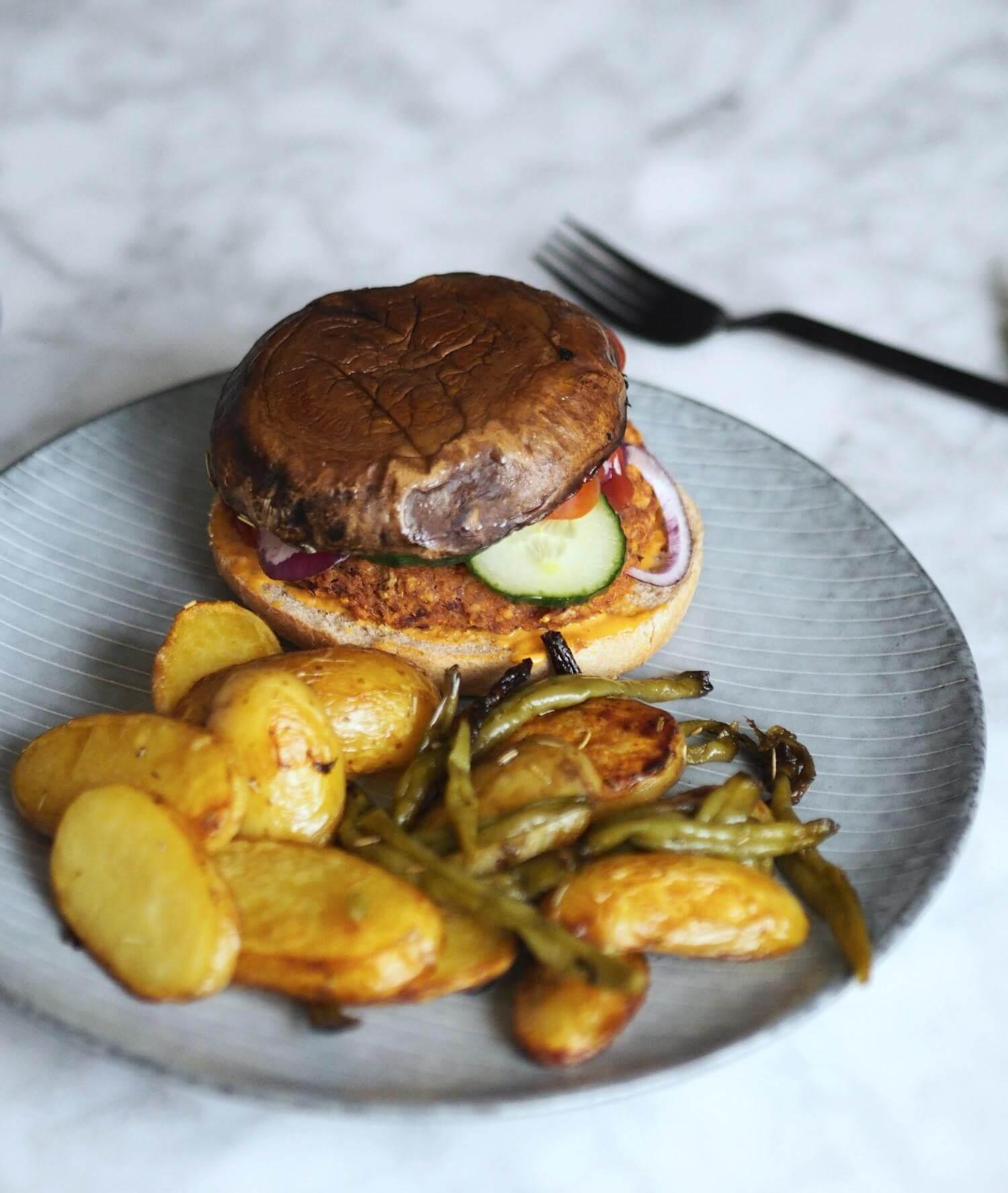 Portobello burger med bønnefritter